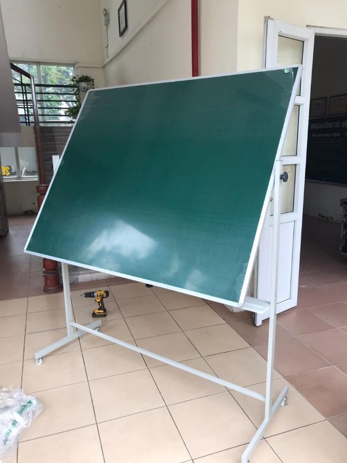 Chất liệu cao cấp giúp bảng có khả năng chống lóa tốt